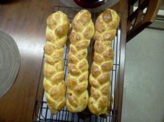 braided peppery cheese bread