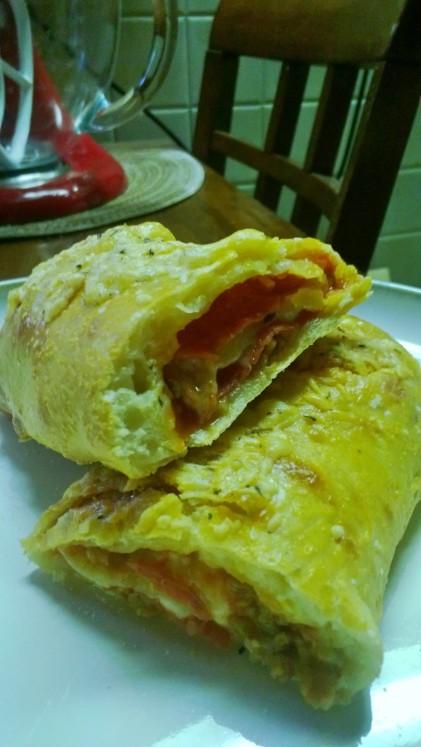 sausage, pepperoni and mozzarella stromboli