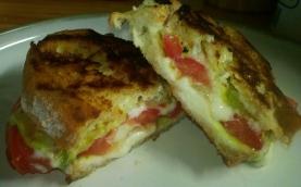 tomato and cheese panini