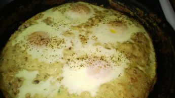 BAKED CHEESY SAUSAGE GRITS AND EGGS