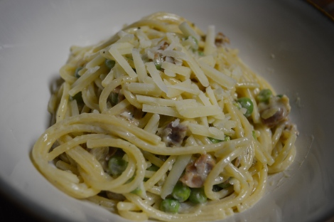 PROSCIUTTO CREAM PASTA WITH PEAS
