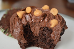 DARK CHOCOLATE CUPCAKES WITH CHOCOLATE PEANUT BUTTER BUTTERCREAM